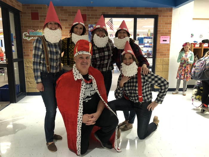 It's a gnome world in 5th grade!