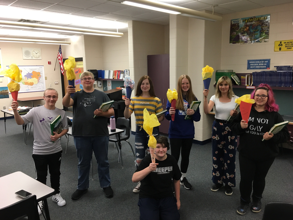 German 2 students with their Schultüte